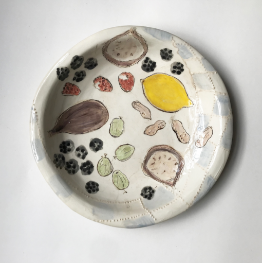 Belynda Sharples, Small round plate with Lemon and Figs 1