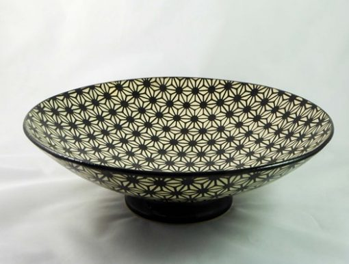David Gee, Geometric flower black on white bowl 437 1