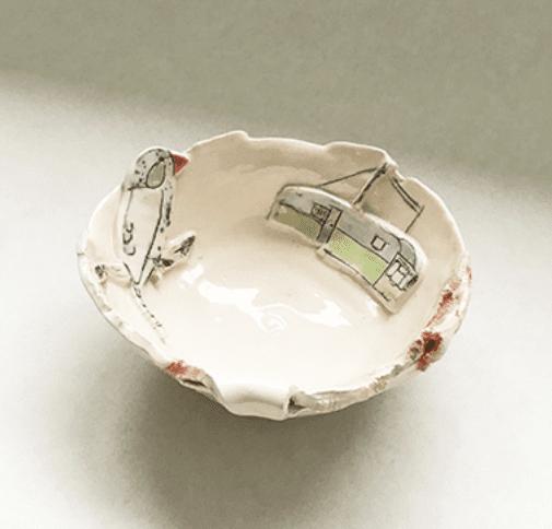 Belinda Sharples, Small bowl with Caravan 1